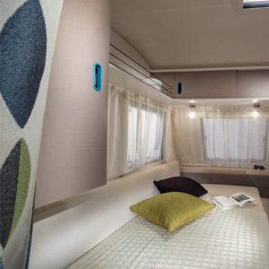 מיטת ההורים בקרוואן סער חברת נוף ילדות